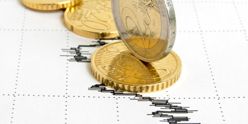 Weakening of the euro on world currency exchanges.